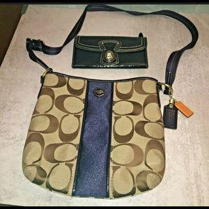 Coach F21905 signature Crossbody purse bag wallet